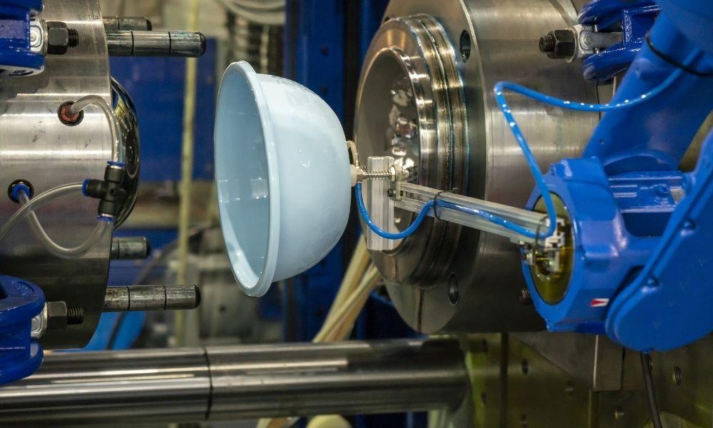 Plastic Machining Parts vs. Plastic Injection Molding